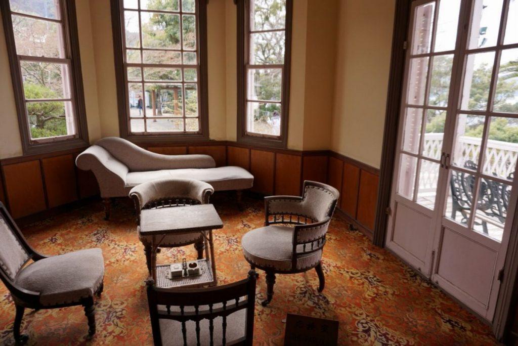 【クララボ・ヒトリゴト】参考にしたくなるアンティーク家具のレイアウト